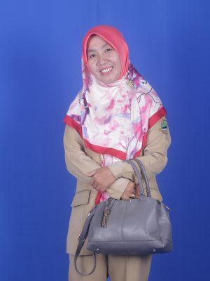 Nurmi Andriyani, M.Pd